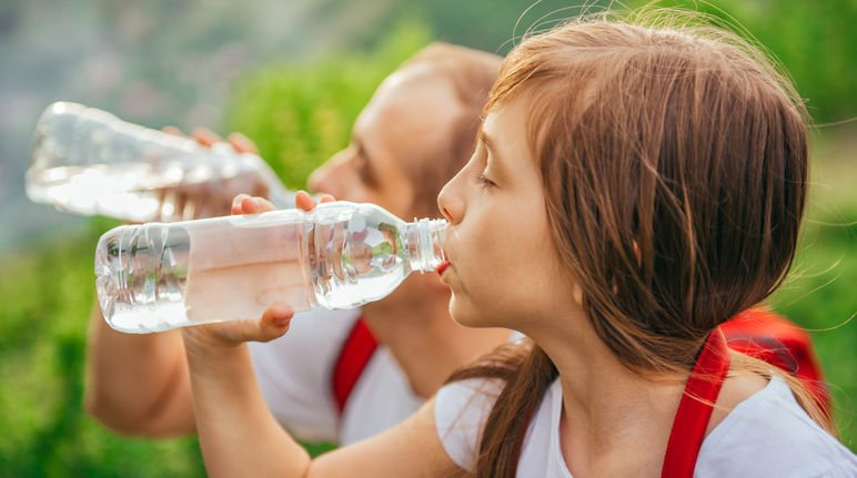 Tritanflaschen